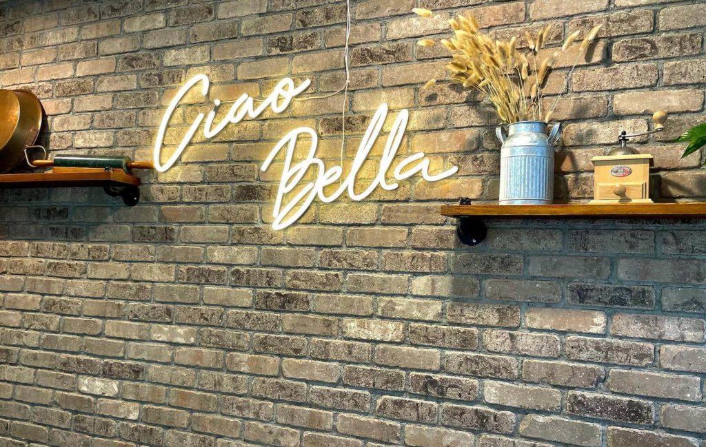 Cioa Bella Neon Sign