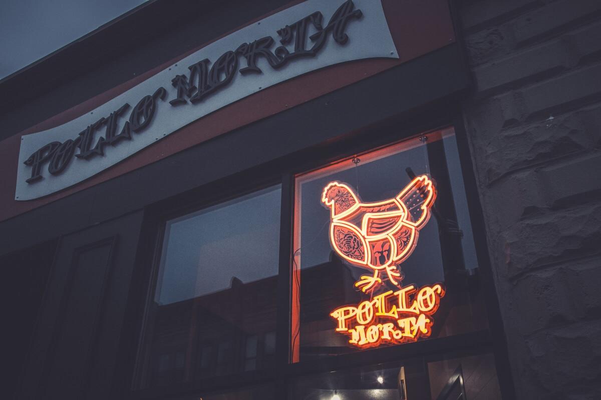 Storefront Pollo Morta Custom Neon
